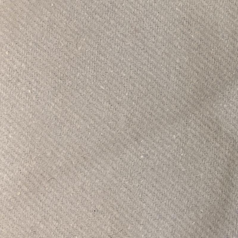 Theaterdoek afgewerkt max 8m2 licht grijs